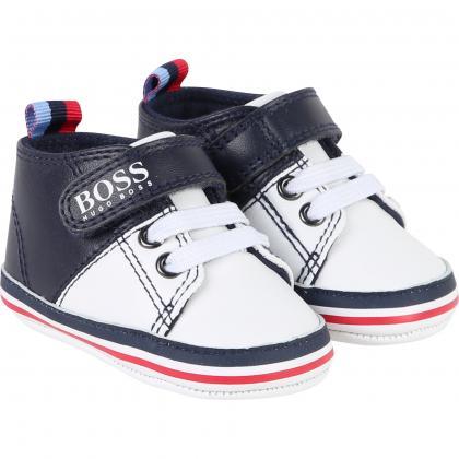 Hugo Boss baby sneaker of leather in marine-white