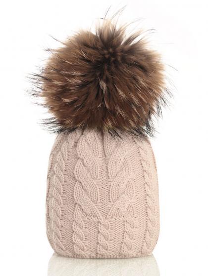 Catya Wollmütze mit Zopfmuster und Echtfell-Bommel in beige
