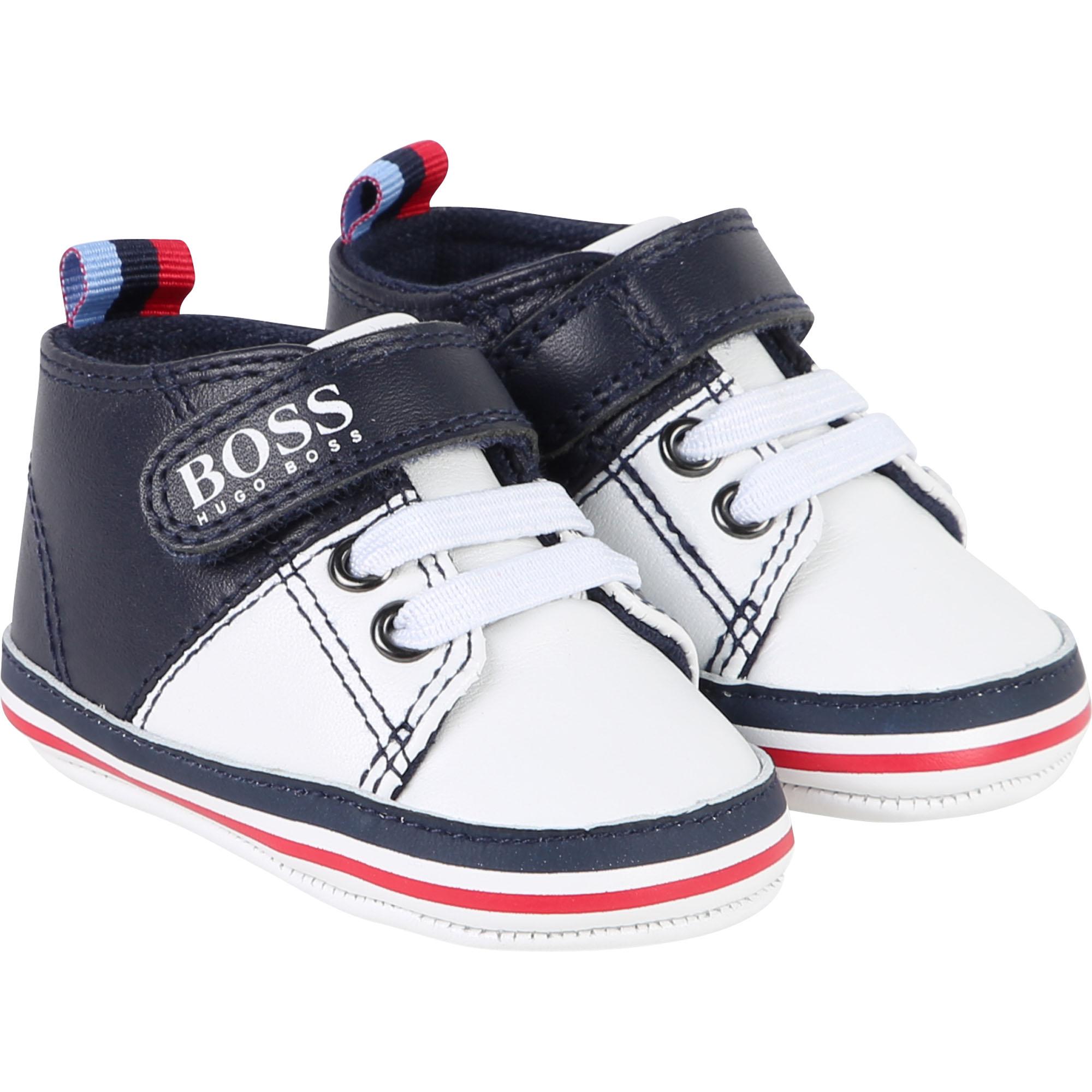 Hugo Boss Baby Sneaker aus Leder in marine-weiss